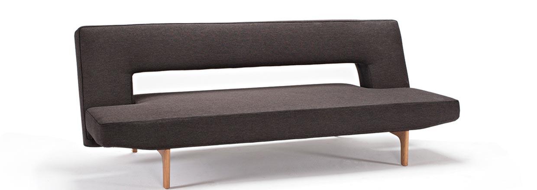Puzzle Wood er en unik sovesofa med den karakteristiske udsk&aelig;ring i ryggen.<br>